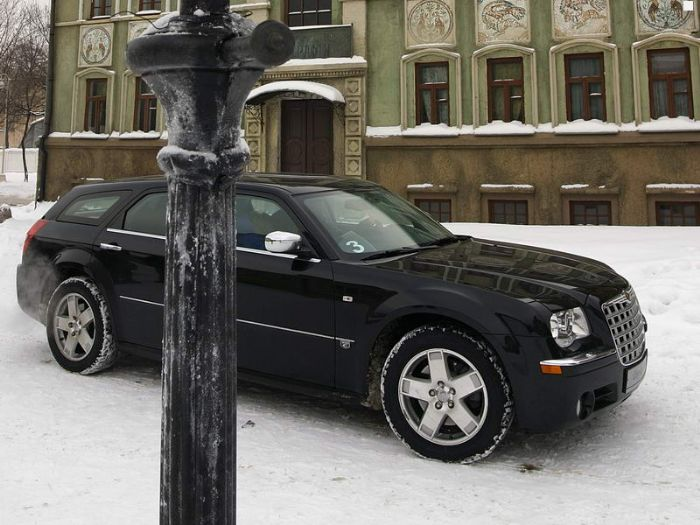 Chrysler 300C.  Двигатель.  120 000.…