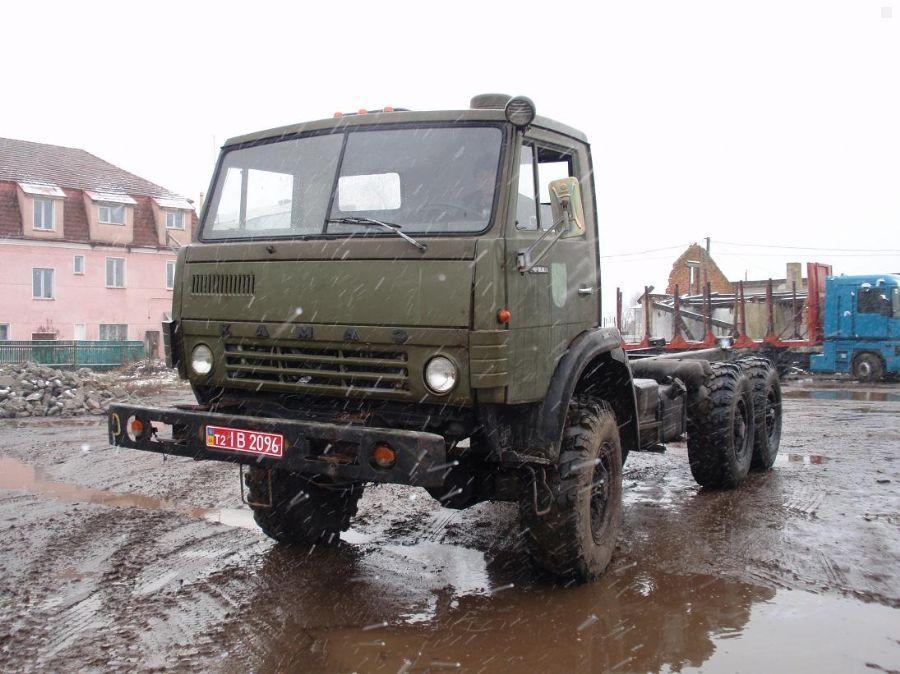 Частное объявление о продаже б.у. грузовика КамАЗ 4310 (зеленый) 1990 года выпуска за 22000$ в Ивано-Франковске